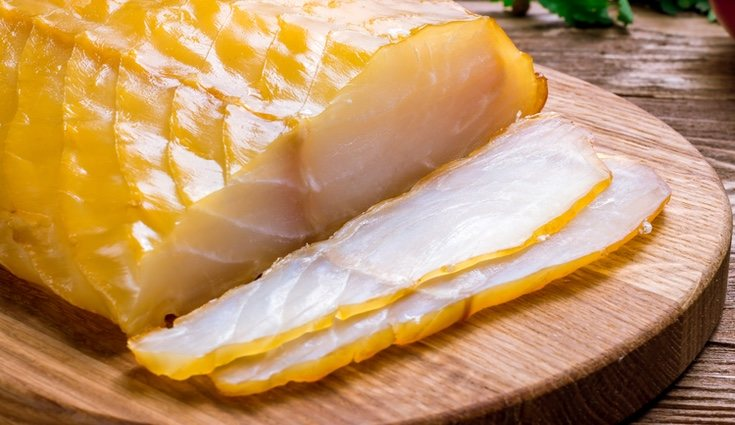 El bacalao ahumado contiene fósforo, esencial para el sistema nervioso