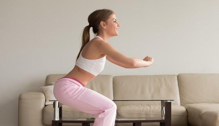 Ejemplo de ejercicio en casa: sentadillas