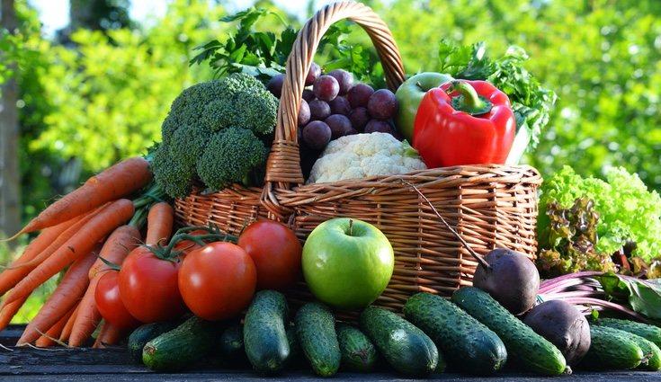 La verduras como las espinacas o las acelgas contienen mucho hierro