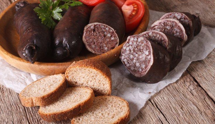 Carne como el cerdo, el pollo o la ternera también contiene hierro