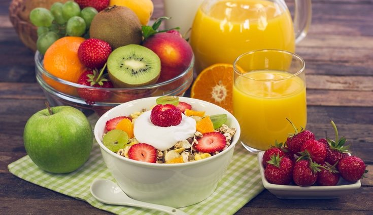El mejor momento para comer fruta es en el desayuno