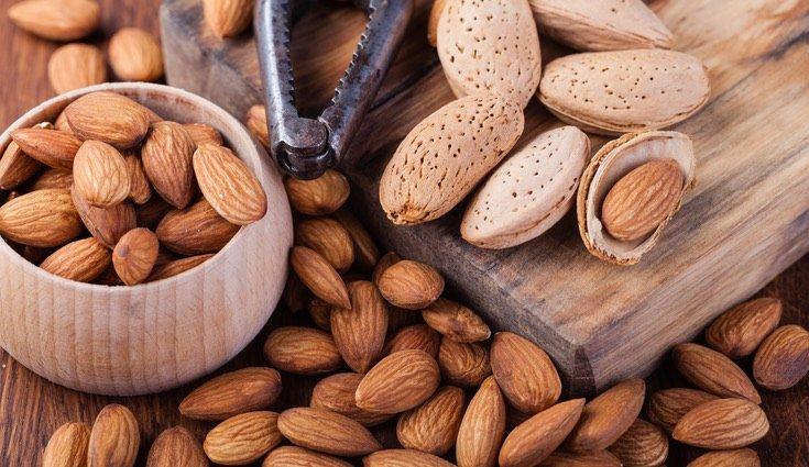 A pesar de sus calorías, las almendras, así como las semillas de sésamo, aportan amplitud de beneficios