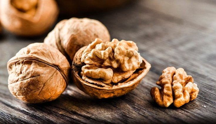 Entre los beneficios de las nueces está la mejora de la fertilidad