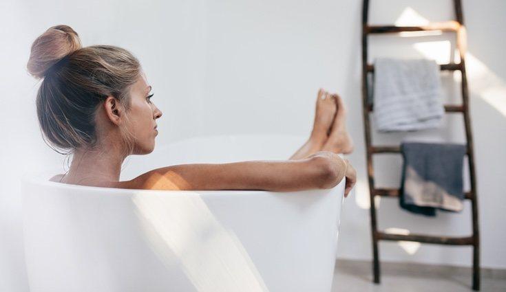 Un baño con agua templada ayuda a combatir las agujetas
