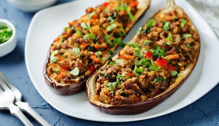 Berenjenas rellenas con quinoa y verduras