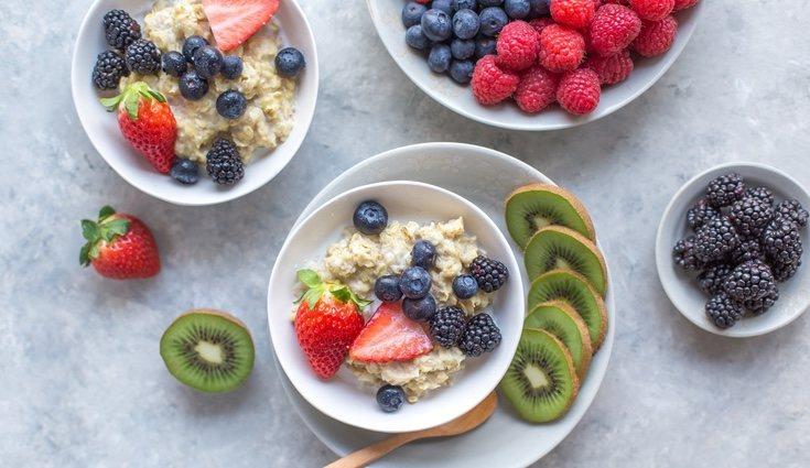 Los cítricos y los frutos rojos ayudan a absorber más rápidamente las grasas del cuerpo