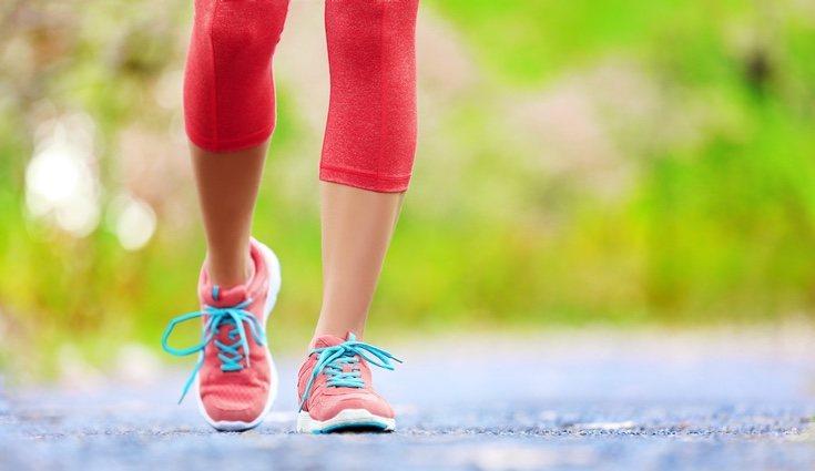 Las zapatillas deben adaptarse bien a tu pie para correr de forma adecuada