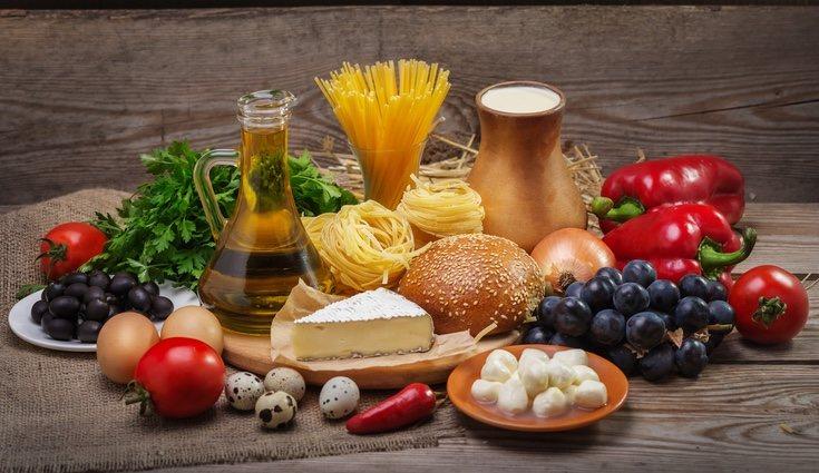 La lactosa es un tipo de disacárido, por lo que el queso o el yogurt también contiene hidratos