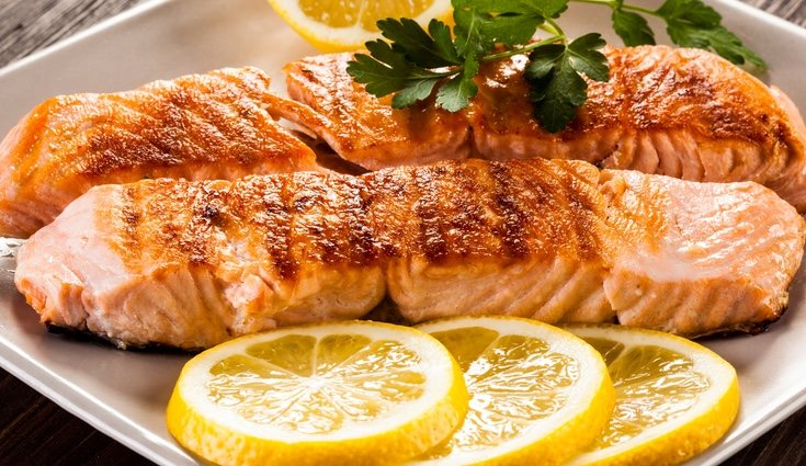 El salmón es uno de los pescados con mayor cantidad de proteínas