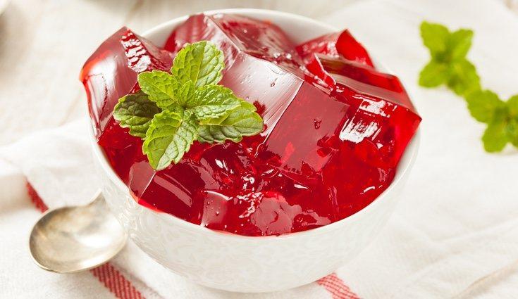 La gelatina puede ser uno de tus postres preferidos y tiene un gran aporte protéico