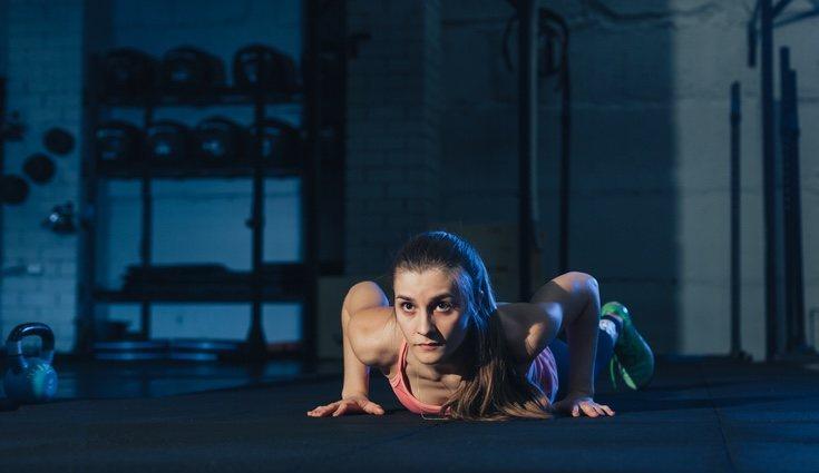 Los burpees, sentadillas o flexiones son algunos de los ejercicios más utilizados
