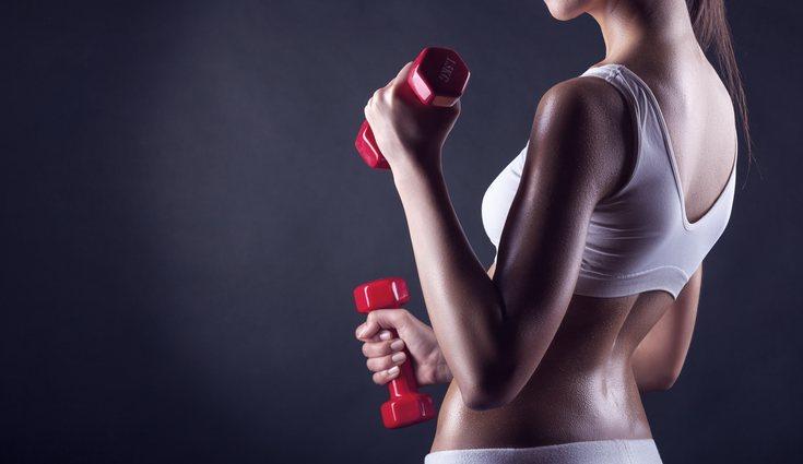 Hay ejercitar tanto bíceps como tríceps