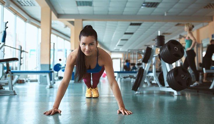 Los ejercicios de plancha tonifican la mayor parte del cuerpo
