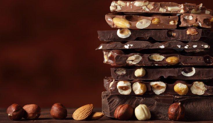 En el caso de poder comer chocolate debe ser lo más natural posible y evitar los industrializados