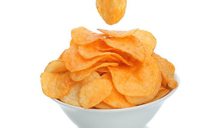 Una bolsa de patatas fritas es un snack muy apetecible para el paladar