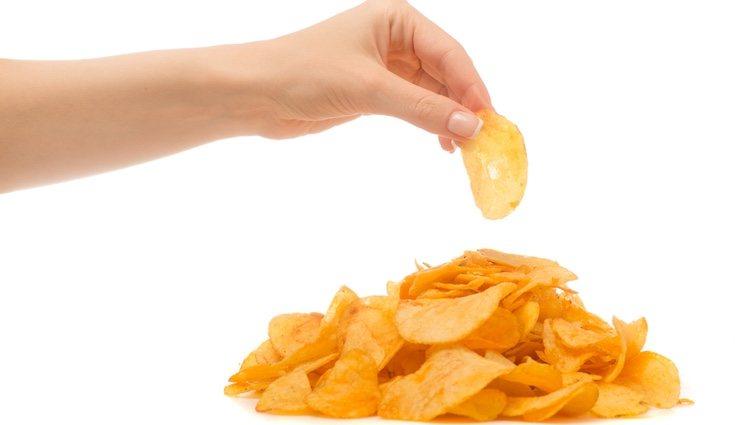 Las bolsas de patatas fritas son productos procesados por lo que pueden crear adicción