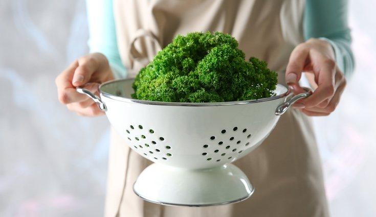 El kale es un alimento nutritivo que puede ser servida de diferentes maneras