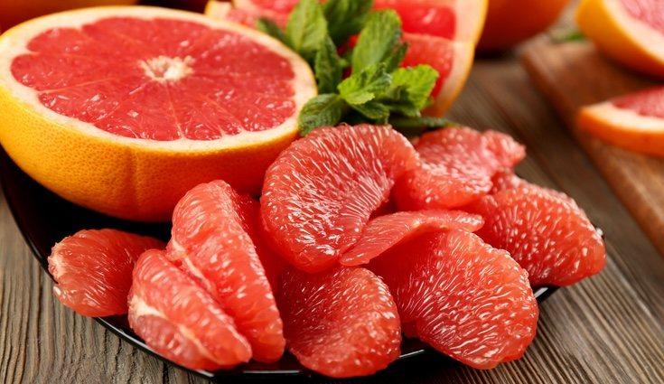 El pomelo también ayuda a la salud de tu piel