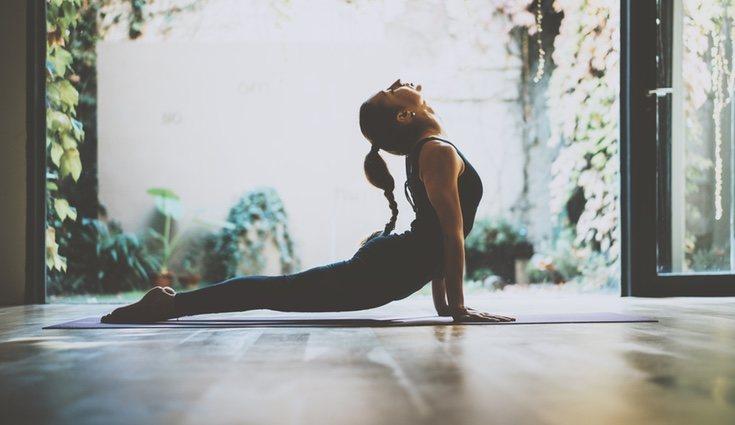 Al practicar yoga mejroaremos nuestra elasticidad