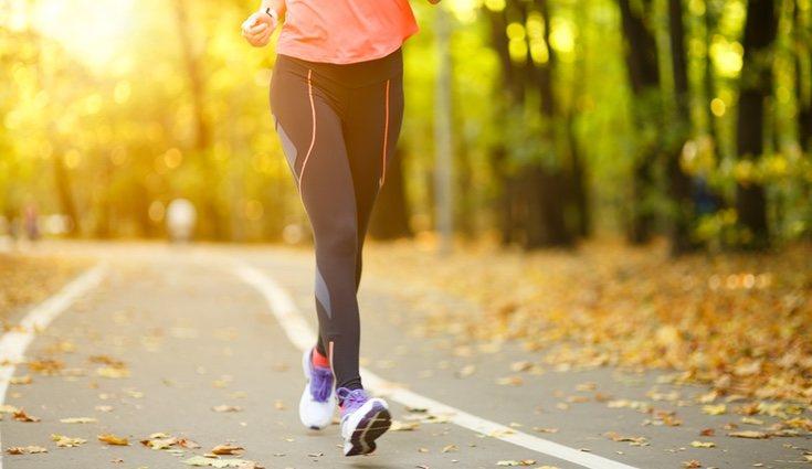 Al caminar también se queman grasas porque estamos realizando una actividad física