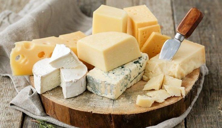 El queso, por ejemplo, es uno de los tantos derivados que tiene la leche