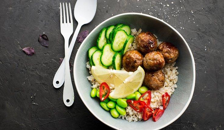 Las ensladas de arroz son el plato ideal para nuestra dieta