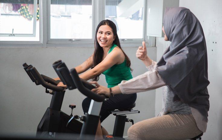 A la hora de realizar ejercicio en la bici estática hay que comprobar la seguridad