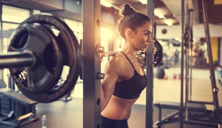 Lo necesario es hacer ejercicios de levantamiento de peso para tonificar el músculo
