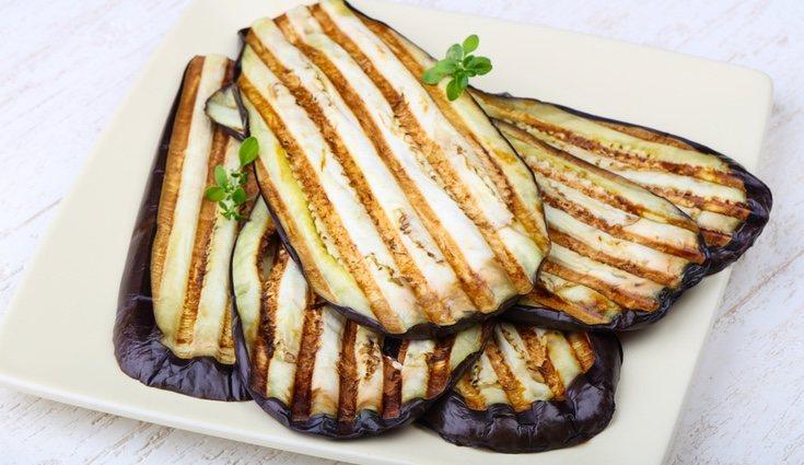 A la plancha es la mejor forma de cocinar la berenjena para no engordar