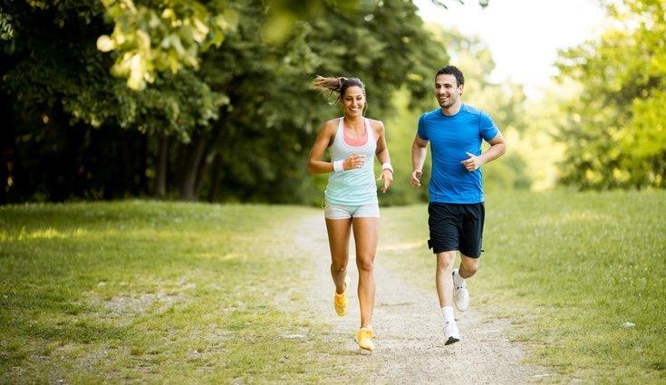 Correr es la mejor excusa para conocer gente y así convertirlo en un hábito de lo más saludable