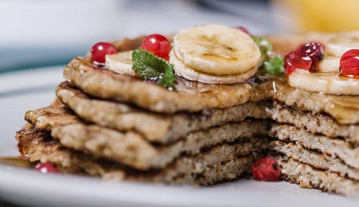 Una vez tengas tu masa fitness hecha podrás decidir que ingredientes añadir por encima de las tortitas para acompañar
