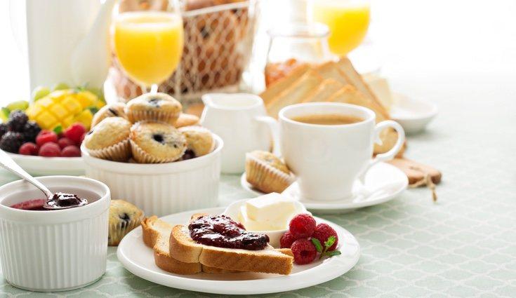 Un buen desayuno reduce el ansia de picar entre horas y mejora nuestro rendimiento físico