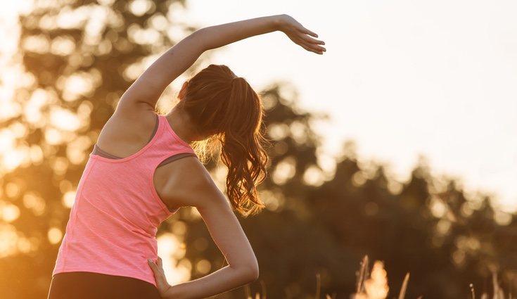 Tras realizar los ejercicios es importante estirar las zonas trabajadas para evitar las agujetas