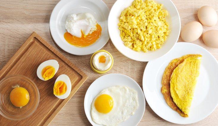 El huevo contiene las siguientes vitaminas: B1, B8 y K
