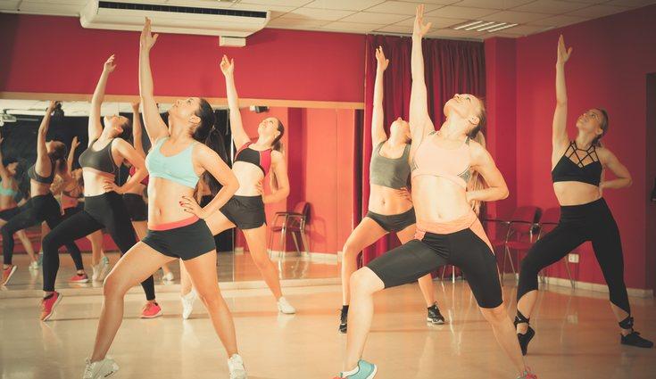 Los ejercicios de zumba también ayudan a tonificar los músculos