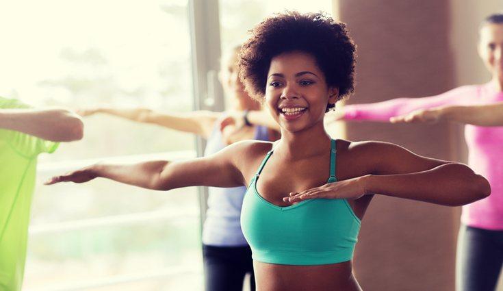 Es importante usar ropa ajustada y adecuada para un deporte de cierta intensidad