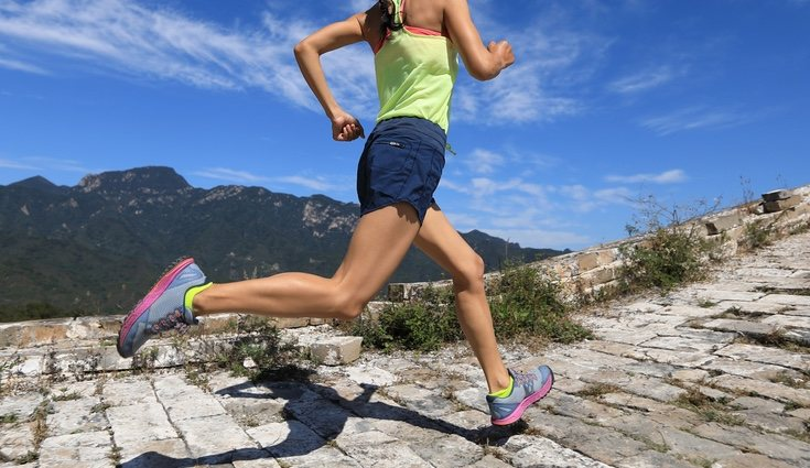Hay que hacer ejercicio, ya que no solo ayuda a evitar retención de líquidos
