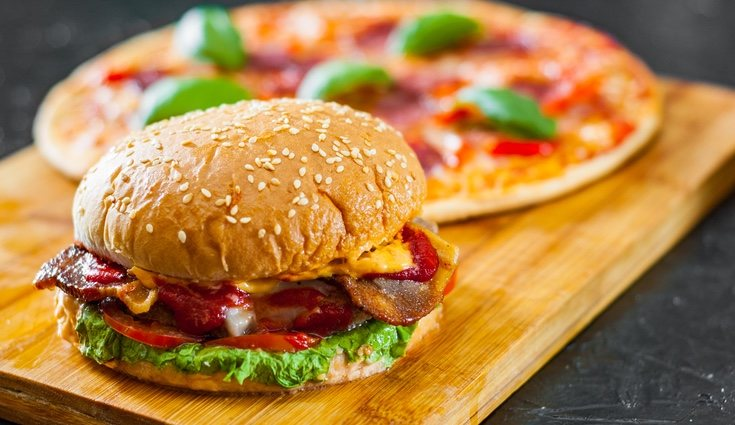 Es importante intentar eliminar la comida basura de nuestra dieta