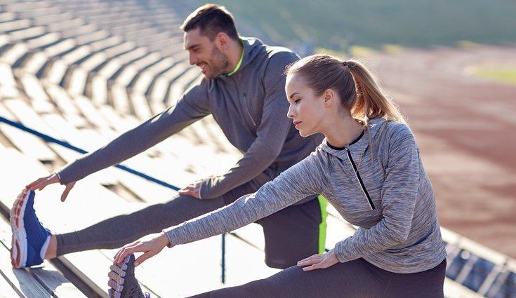 Es clave calentar e hidratarse bien antes de entrenar