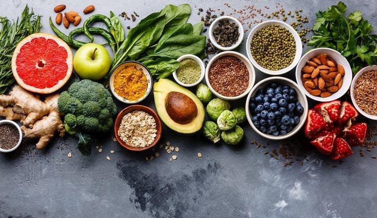El ácido fólico o folacina también se conoce como vitamina B9