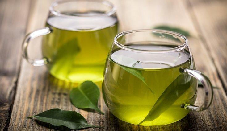 Una infusión de té verde o té rojo es beneficiosa para el organismo