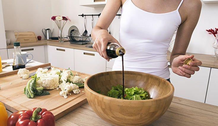 La salsa de soja aporta unas 65 calorías por cada 100 gramos