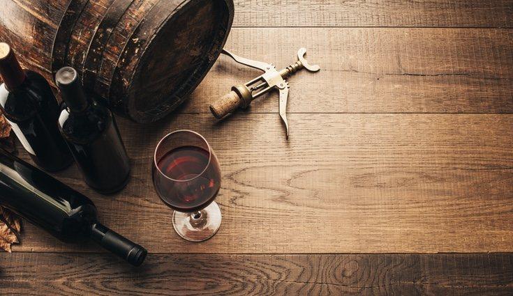 Los vinos espumosos y los vinos blancos suelen ser tener menos grados de alcohol