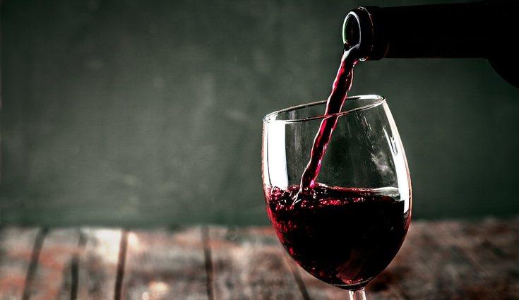 Un volumen de un mililitro de alcohol pesará 0.8 gramos