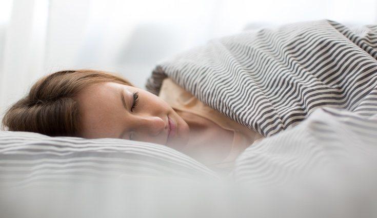 Utiliza una luz tenue a la hora de echar una siesta