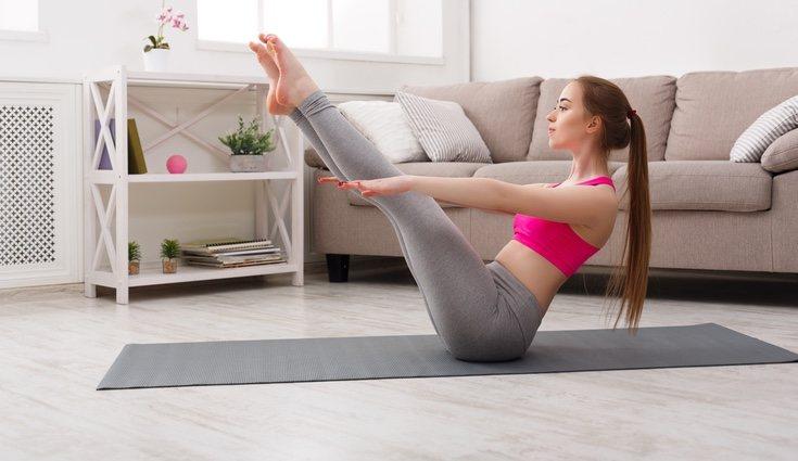 Hacer ejercicio en casa supone escoger los ejercicios que mejor se adaptan a ti