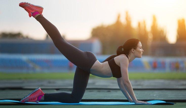 Una buena rutina de ejercicios ayuda a mantenernos en forma