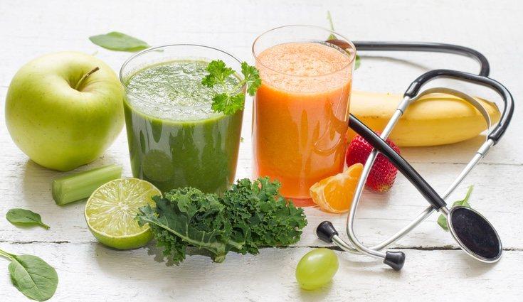 Es recomendable acudir a un especialista, no comenzar la dieta sola