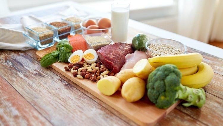 Tienes que comer alimentos saludables que te sacien y que te aporten pocas calorías