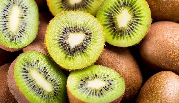 Tiene un alto contenido en vitaminas C, E y A, potasio, calcio, cobre, magnesio y fibra